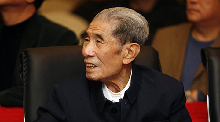 """李文华81岁进入""""宝字辈""""含泪拜师马三立"""