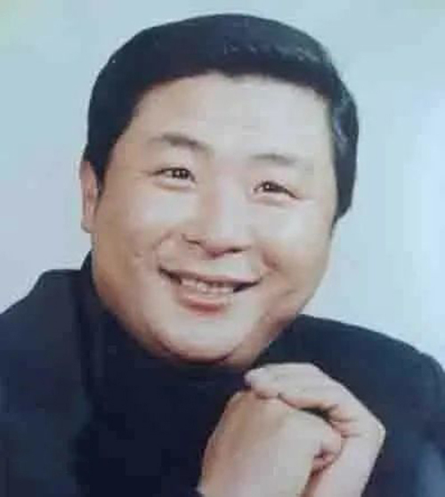 范伟恩师相声表演艺术家陈连仲因病逝世,享年73岁 相声 范伟 陈连仲 名家堂  第1张
